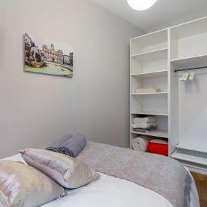 Vieux lyon 10 rue Mourguet chambre rangements